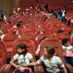 1° ano, 2° ano e 3° ano A e B no Teatro Via Sul.